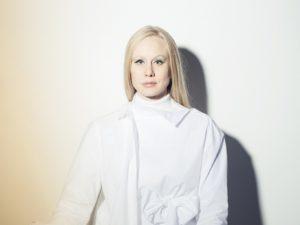 'Freight Train', de nieuwe single van Susanna, laat je nadenken over het leven