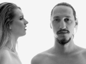 LÉVI brengt filmische, eerste videoclip uit