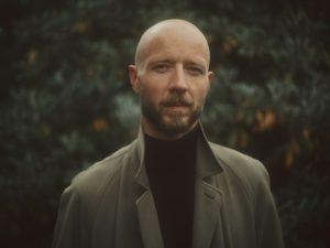 Sivert Høyem kondigt EP release 'Roses of Neurosis' aan,  eerste single 'Run Away' komt uit op 30 oktober