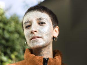 'Waterbomb' van Marta Arpini moedigt iedereen aan om voor zichzelf op te komen